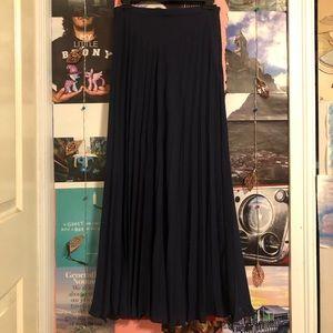 Banana Republic Navy Blue Pleated Maxi-Skirt